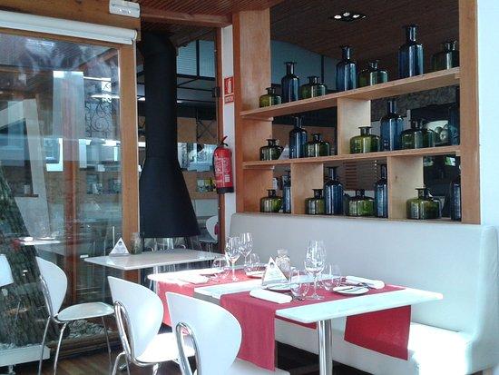 Restaurante casona del jud o en santander con cocina otras for Cocinas santander