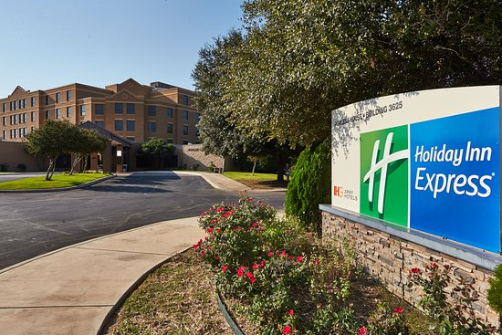 Holiday Inn Express Powless House on Joint Base San Antonio (An IHG Army Hotel)