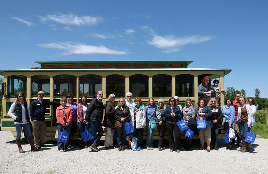 Excelsior Springs, MO: Trolley Wine Tour group May 2016