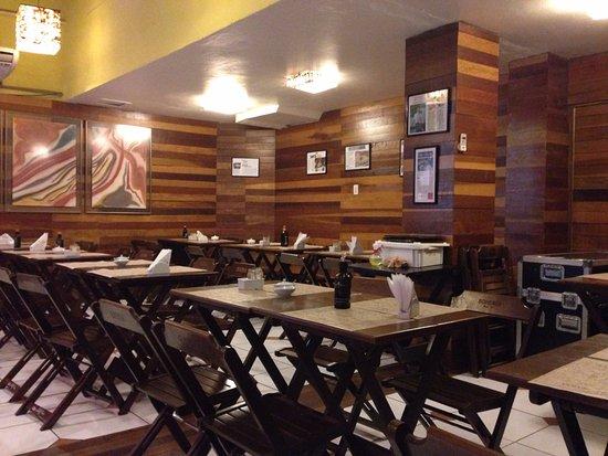 Área interna do restaurante - Foto de Barsa 5158a15c8f8f2
