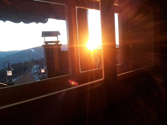 Ustron, Pologne : widok z okna na zachód słońca