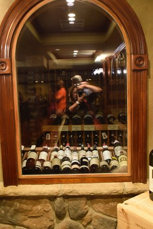 Hamburg, NJ: Wine cellar