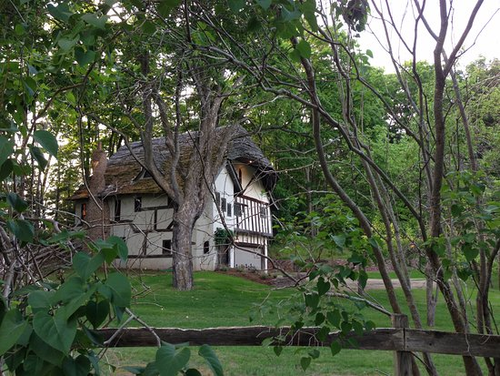 Applecore Cottage: Charlevoix mushroom house in fairytale setting. If Early Young could only see the recent renovat