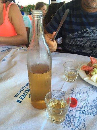 Zola, Grecia: Simple tasty food in a lovely setting