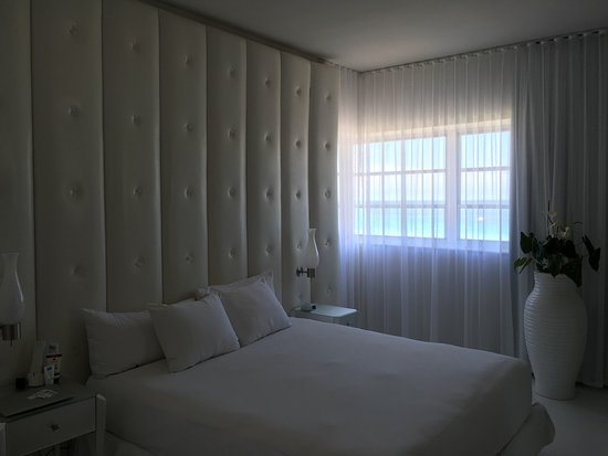Delano South Beach Hotel: Chambre 1006, prise le matin après le house-keeping.