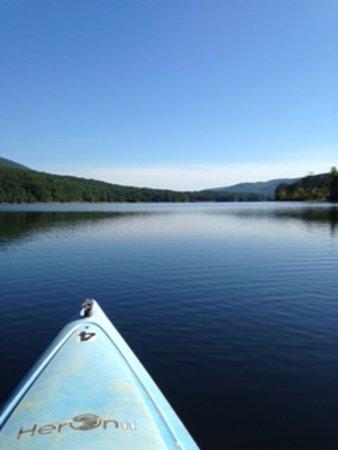 Flintstone, MD: Kayaking on the lake