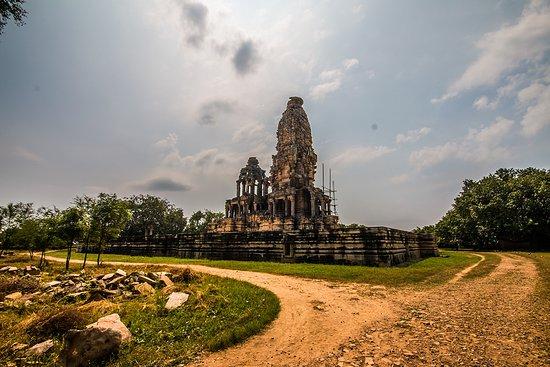 Morena, India: Kakanmath Shiv Temple