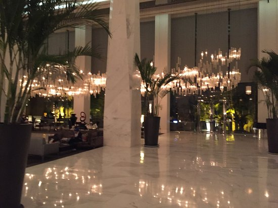 Dusit Thani LakeView Cairo: Great Thai Hospitality in Cairo