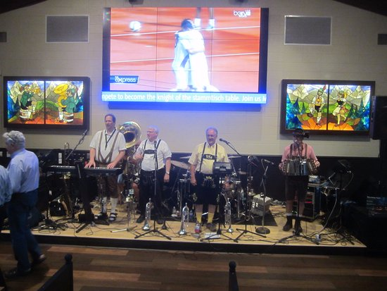 Glendale, WI: OomPah band is SO much fun!