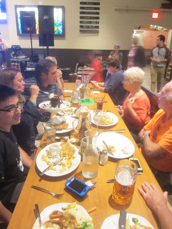 Glendale, WI: Liter mugs of beer - and lots of food