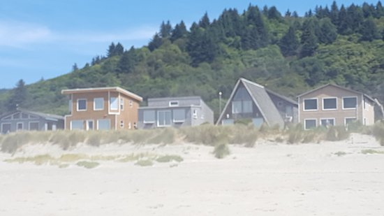 ‪‪Cloverdale‬, ‪Oregon‬: More homes along the beach‬