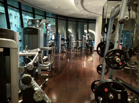 Classy gym picture of marriott suites pune