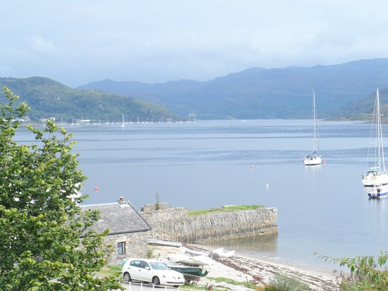 Tighnabruaich, UK: The view from the outside seats