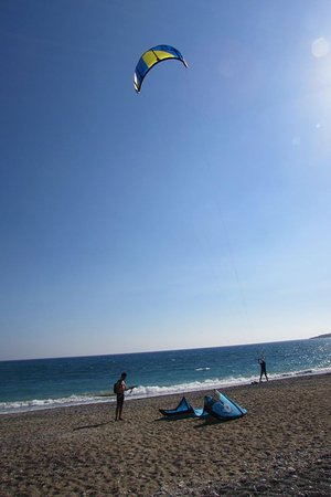 Kite Surfing Cyprus: During week days, average 4-6 kites!!