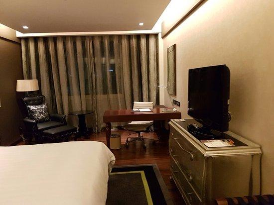 موفنبيك هوتل هانوي: 20160906_213658_large.jpg