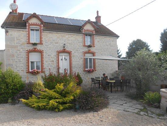 Saint-Nicolas-les-Citeaux, Francia: point fort : les chambres des visiteurs sont indépendantes de la maison des hôtes