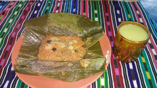 San Juan la Laguna, Guatemala: Pache vegano y atol de platano,plato exquisito hecho en casa.