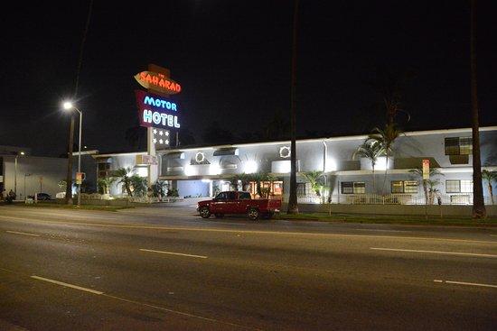 Saharan Motor Hotel Photo