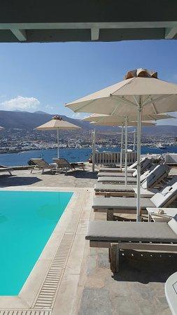 Krotiri Bay : Hotel charmant tenu par une famille très accueillante et faisant son maximum pour ses hotes