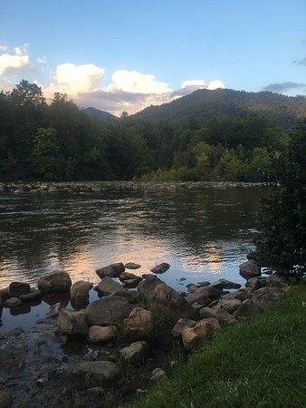 Erwin, TN: Crockett Cabin River View