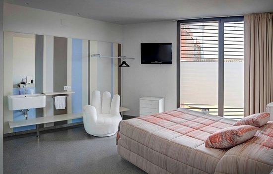 Hostal La Creu: Room
