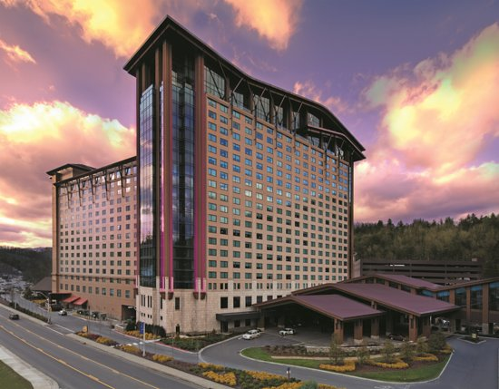 Hotels cherokee nc near harrahs casino ameristar casino near kansas