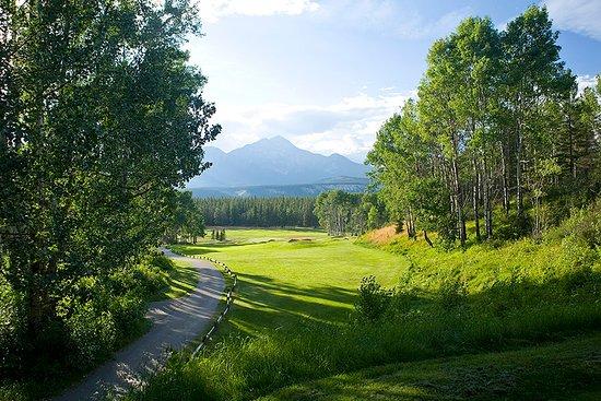 Jasper Park Golf Course: Hole #9, Cleopatra