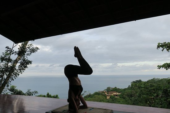Anamaya Resort & Retreat Center: Lower Yoga deck