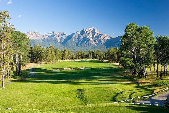 Jasper Park Golf Course: Hole #11, Pyramid