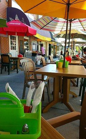 Sunny Day Cafe: VZM_large.jpg