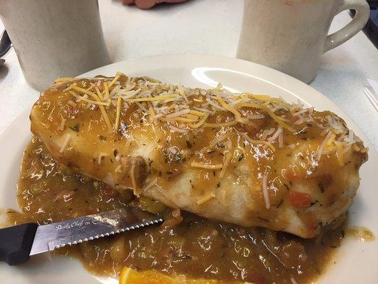 Oscar's Cafe: Smothered green chili breakfast burrito