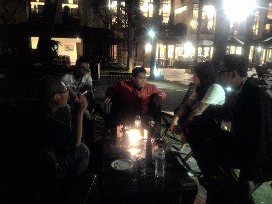 Novotel Surabaya Hotel and Suites: Tukar pikiran berbagai soal