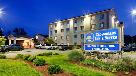 Best Western Plus Crossroads Inn & Suites: Exterior