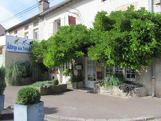 image Auberge des 3 provinces sur Vaux-Sous-Aubigny