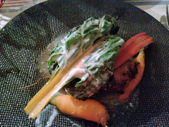 Saint-Beat, France: Agneau aux blettes et carottes