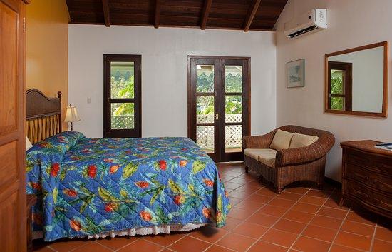 Nanny Cay Marina & Hotel: Spacious, clean Caribbean style rooms