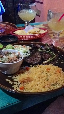 Fiesta Mexicana Family Restaurant: Carne asada dinner with rice and charro beans.