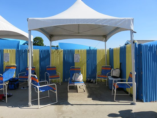 Water Wizz: Rented Cabana