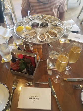 Island Creek Oyster Bar: Oysters and Champagne