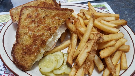 Mio, MI: Turkey Reuben w/fries
