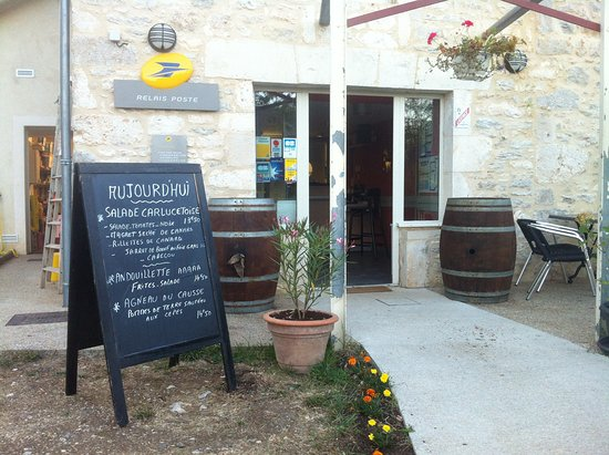 Carlucet, France : resto/bar/post office in a small village