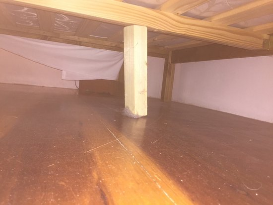 Palmers Barn Bu0026B: Squeaky Bed And Dirty Floor