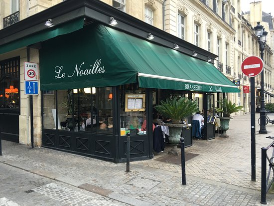 Le Noailles: tipical French bistro