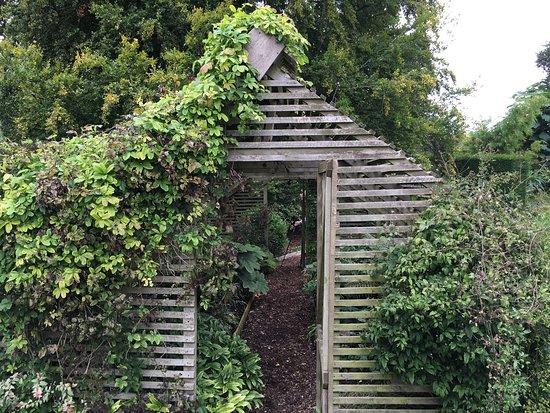 Bourton-on-the-Hill, UK: photo3.jpg