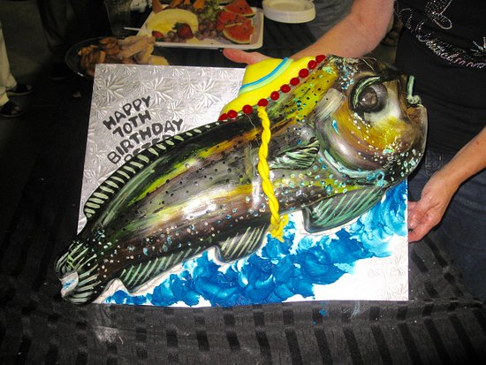 Saint Thomas, Canadá: DORADO BIRTHDAY CAKE