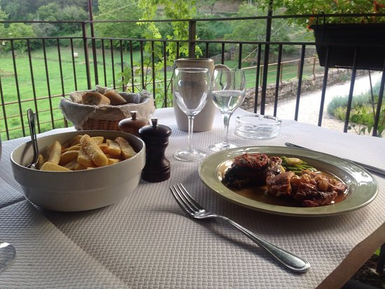 Paunat, Prancis: Guinea fowl and chips