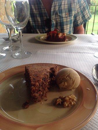 Paunat, فرنسا: Walnut cake