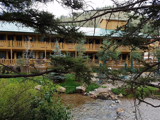 BEST WESTERN Rivers Edge: View of the hotel from the trail behind it.