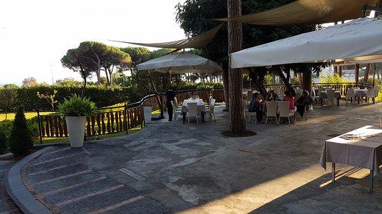 la terrazza con vista sul golfo di NApoli - Foto di Al Corbezzolo ...