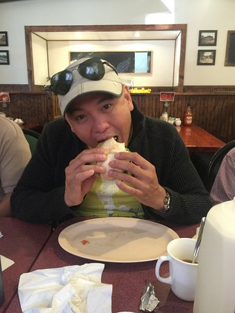 Montour Falls, estado de Nueva York: loving his hoagie, he even order a to go for our trip back to NYC